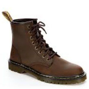 Dr. Martin Brown AirWair Lace Up Boots 13